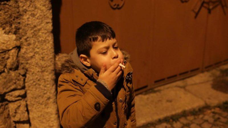 Как заставить ребёнка бросить курить?